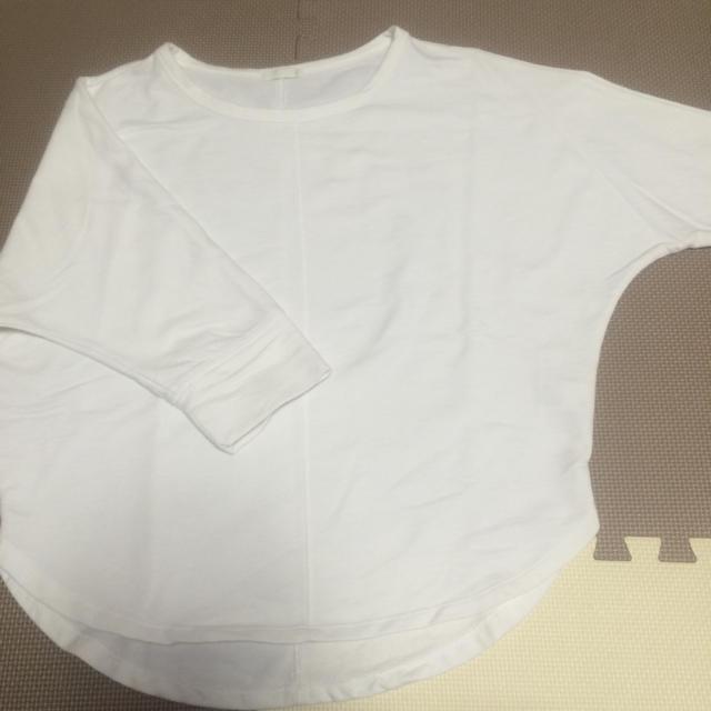 GU(ジーユー)の白トップス レディースのトップス(Tシャツ(長袖/七分))の商品写真