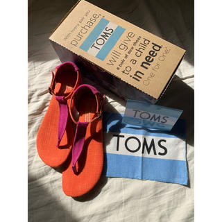 トムズ(TOMS)のTOMS サンダルplaya sandals ピンクオレンジ22.5(サンダル)