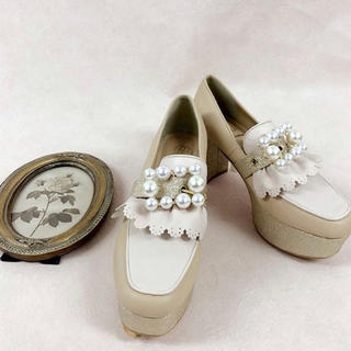 スワンキス(Swankiss)のSwankiss EV bijou belt lofer(ローファー/革靴)