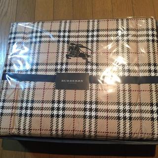バーバリー(BURBERRY)の未使用❣️バーバリー 羽毛布団 150×200 西川産業(布団)