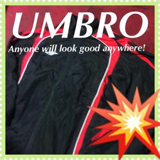 アンブロ(UMBRO)の❇️【UMBRO】赤と黒とのコントラス☆‼️スポーツ フットサル 黒 ジャンパー(ナイロンジャケット)