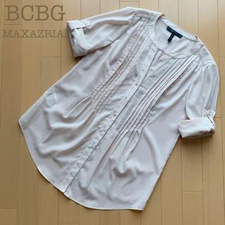 ビーシービージーマックスアズリア(BCBGMAXAZRIA)のBCBG MAXAZRIA タックブラウス シャツ ピンクベージュ XS(シャツ/ブラウス(半袖/袖なし))