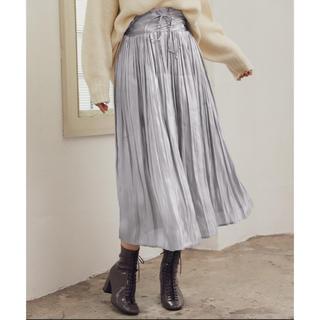 ミスティウーマン(mysty woman)のサテンスカート(ロングスカート)