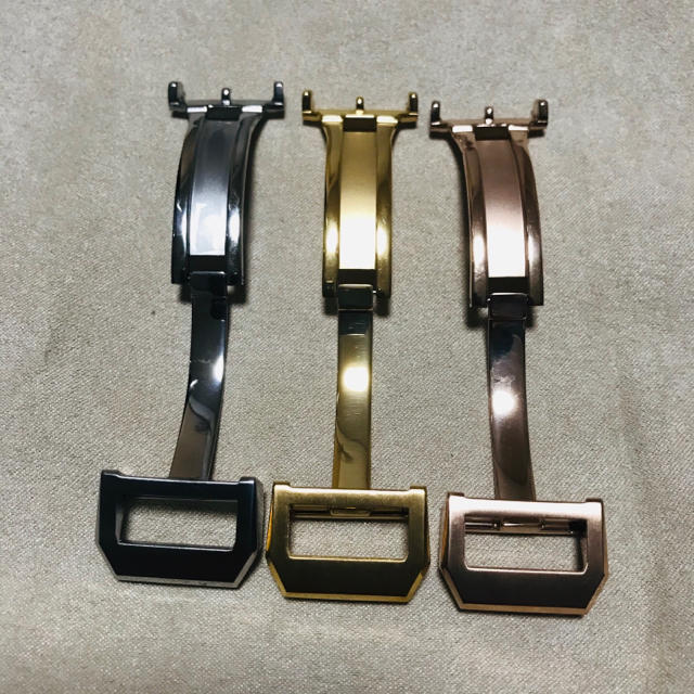 IWC(インターナショナルウォッチカンパニー)のシルバー18mm★IWCタイプ高品質Dバックル★ メンズの時計(レザーベルト)の商品写真