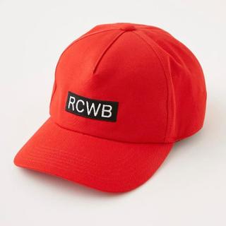 ロデオクラウンズワイドボウル(RODEO CROWNS WIDE BOWL)の新品 ロデオクラウンズ RODEO CROWNS ボックスロゴ キャップ 赤(キャップ)