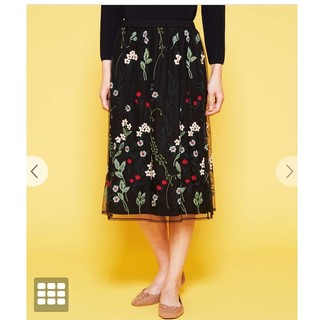 シビラ(Sybilla)のシビラ チュール花柄刺繍スカート M(ひざ丈スカート)