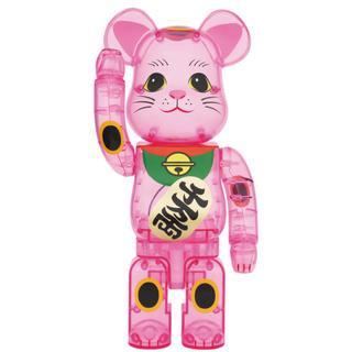 メディコムトイ(MEDICOM TOY)のBE@RBRICK 招き猫 桃色透明 400%(フィギュア)