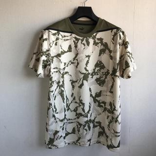プーマ(PUMA)のプーマ メンズカモフラ柄シャツ Mサイズ 定価5500円 2020年春夏モデル(その他)