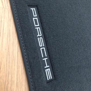 ポルシェ(Porsche)のポルシェ カイエン 純正 フロアマット 未使用 958 左ハンドル用(車内アクセサリ)