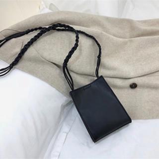 ビューティアンドユースユナイテッドアローズ(BEAUTY&YOUTH UNITED ARROWS)のロープショルダー 三つ編みショルダーバッグ  黒 レザー 合皮 スクエア(ショルダーバッグ)