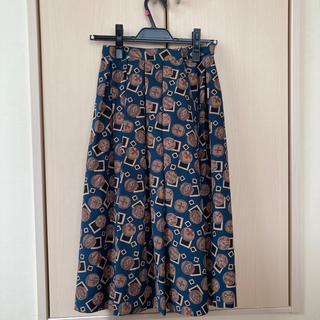 プリーツ柄スカート(ひざ丈スカート)