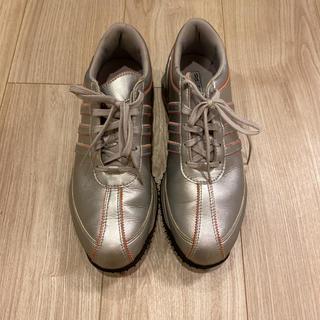 アディダス(adidas)のadidasレディースゴルフシューズ スニーカー 24.5センチ(ゴルフ)