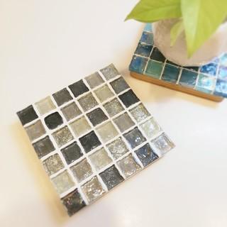 シルバー◎ガラスモザイクのディスプレイトレイ(インテリア雑貨)