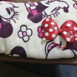 ディズニー(Disney)のミニーマウスのBIGひざ掛け&リボン(毛布)
