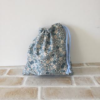 ハンドメイド 巾着袋 コップ袋 小花柄(ブルー)(外出用品)