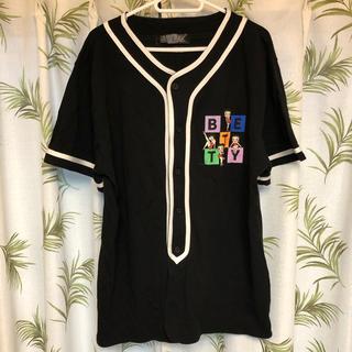 スピンズ(SPINNS)のスピンズ ベティちゃん ファイヤー ベースボール風 シャツ 黒 ブラック   (ポロシャツ)