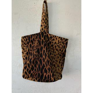 ジャンニヴェルサーチ(Gianni Versace)のgianni versace ジャンニヴェルサーチ トートバッグ 美品 豹柄(トートバッグ)