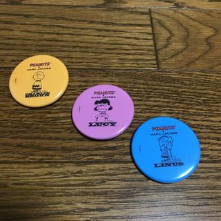 マークジェイコブス(MARC JACOBS)のMARC JACOBS  非売品缶バッチ3個(バッジ/ピンバッジ)