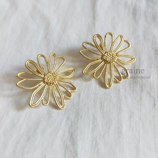 カスタネ(Kastane)の【 NEW 】gold daisy 🍒 ラスト1点(ピアス)