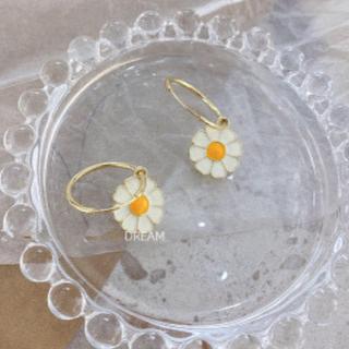 カスタネ(Kastane)のDasy cute earrings♡韓国・ガルシア好きな方におすすめ(ピアス)