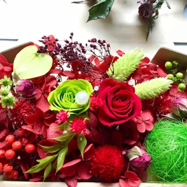 情熱レッドローズ&グリーン絆様専用 ハンドメイドのフラワー/ガーデン(ドライフラワー)の商品写真