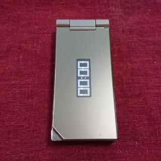 エヌティティドコモ(NTTdocomo)のドコモ PRIME series SH-01B ゴールド ガラケー本体(携帯電話本体)