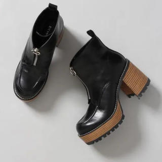 ジーナシス(JEANASIS)のJEANASIS ジップデザインヒールブーツ(ブーツ)