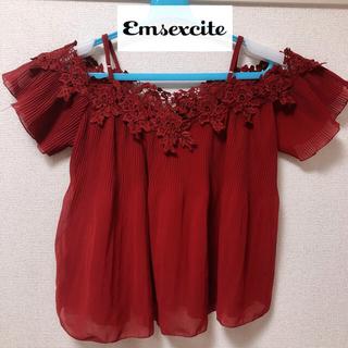 エムズエキサイト(EMSEXCITE)のems excite トップス オフショル ブラウス 赤 Mサイズ(シャツ/ブラウス(半袖/袖なし))