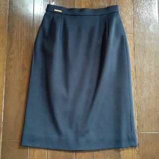 レオナール(LEONARD)の7号レオナール濃紺ウール100%膝丈スカート(ひざ丈スカート)