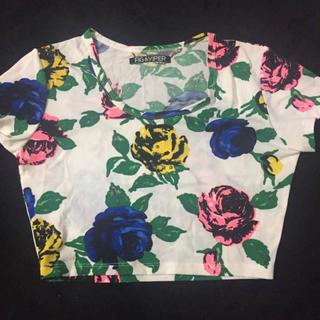 フィグアンドヴァイパー(FIG&VIPER)のFIG&VIPER 三角スタッズ 花柄 クロップド Tシャツ(Tシャツ(半袖/袖なし))