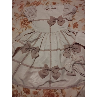 シャーリーテンプル(Shirley Temple)のシャーリーテンプル 130 リボンパールワンピース ヘアバンド付き(ドレス/フォーマル)