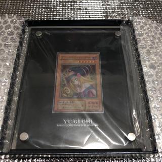 コナミ(KONAMI)の遊戯王 ブラックマジシャンガール ステンレス 二桁 キリ番(シングルカード)