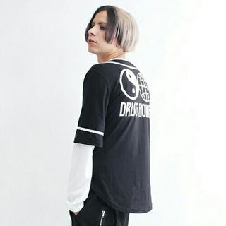 ファンキーフルーツ(FUNKY FRUIT)の最終1DrugHoneyバックプリントベースボールシャツ  ドラッグハニーF 黒(Tシャツ(長袖/七分))