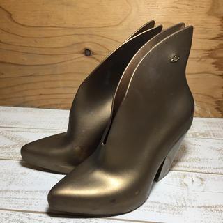 ヴィヴィアンウエストウッド(Vivienne Westwood)のヴィヴィアンウエストウッド×メリッサ ショートブーツ ゴールド 23.5センチ(ブーツ)