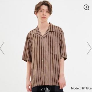 ジーユー(GU)の新品・未使用 GU メンズ オープンカラーシャツ ベージュ Mサイズ(シャツ)