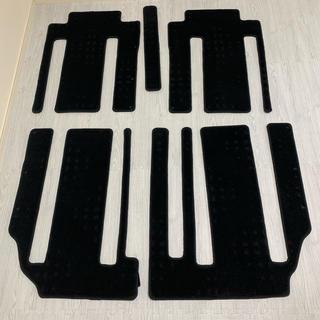 ニッサン(日産)のほぼ新品日産セレナc27 純正フロアマット 超ロングスライド 2〜3列目(車内アクセサリ)