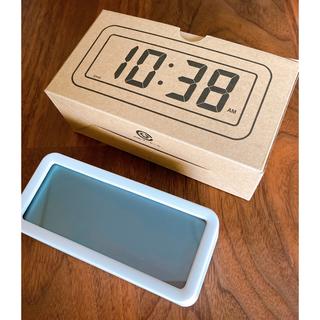 ムジルシリョウヒン(MUJI (無印良品))の無印良品   デジタル時計  ホワイト  新品未使用(置時計)