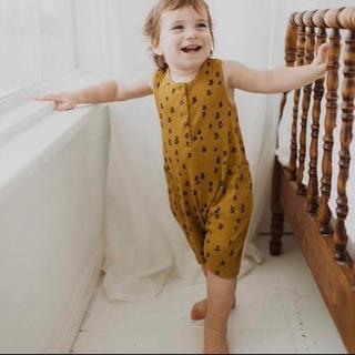 キャラメルベビー&チャイルド(Caramel baby&child )のfin&vince bee rompers (ロンパース)