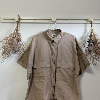 フーズフーギャラリー(WHO'S WHO gallery)の半袖シャツ(Tシャツ(半袖/袖なし))