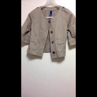 ジエンポリアム(THE EMPORIUM)のデザインジャケット(ノーカラージャケット)