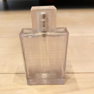バーバリー(BURBERRY)のバーバリー ブリットシアーオードトワレ 50ml  ボトルのみ 香水(香水(女性用))