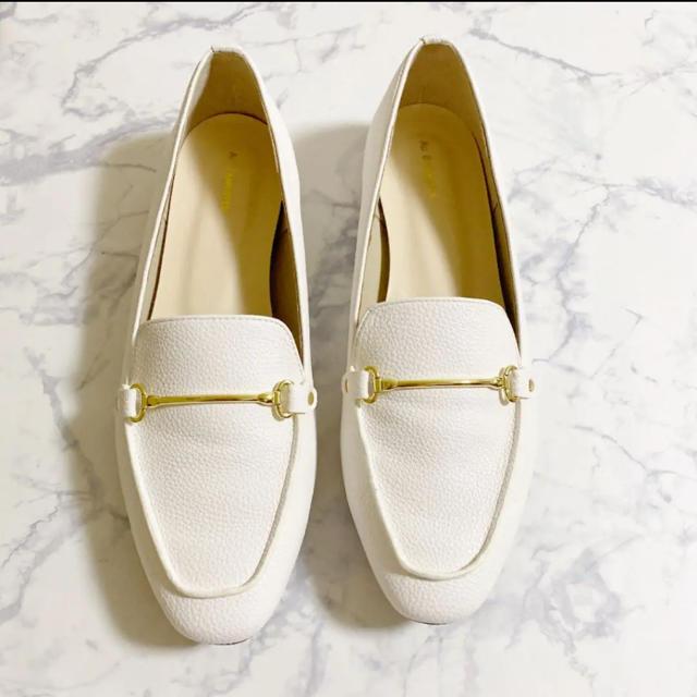 AU BANNISTER(オゥバニスター)の美品 AU BANNISTER スクエア ビット ローファー 38 レディースの靴/シューズ(ローファー/革靴)の商品写真