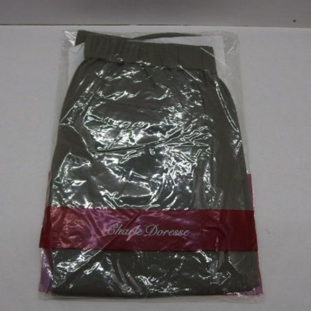 シャルレ(シャルレ)の♯0684R・シャルレ エレガンスパンツ カーキ LLサイズ 未使用品 レディースのパンツ(カジュアルパンツ)の商品写真