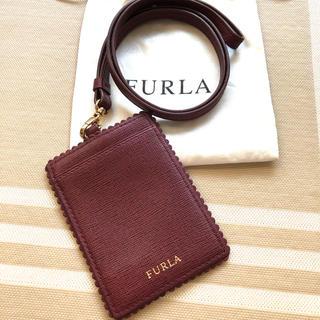 フルラ(Furla)の【美品】FURLA パスケース(パスケース/IDカードホルダー)