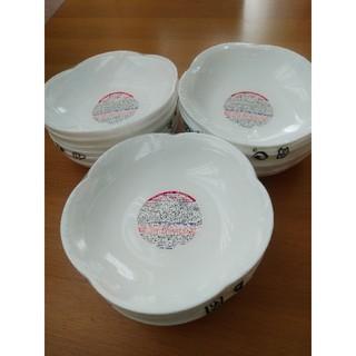 ヤマザキセイパン(山崎製パン)のヤマザキパン祭り 白いフラワーボウル 18枚セット (新品・未使用)(食器)