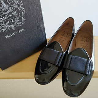 ドゥロワー(Drawer)のDrawer購入 新品同様 BOW-TIE ローファー パンプス 黒 リボン(ローファー/革靴)