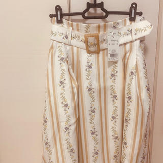 ダズリン(dazzlin)の【dazzlin】ラインフラワーミモレ丈スカート♡新品タグ付き(ロングスカート)
