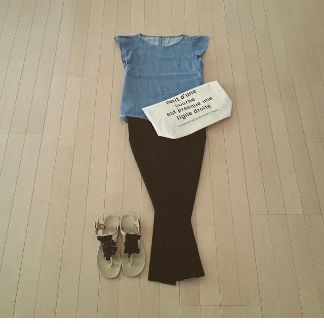 GU(ジーユー)のGU フリルトップス レディースのトップス(シャツ/ブラウス(半袖/袖なし))の商品写真