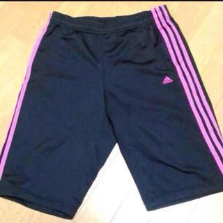 アディダス(adidas)のピンクライン♡ハーフパンツ(ハーフパンツ)