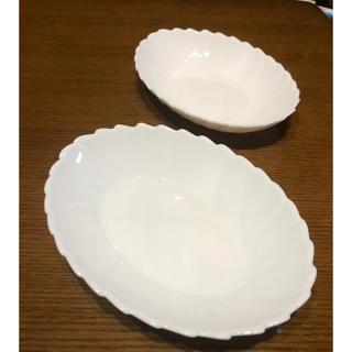 山崎製パン - ヤマザキパン 白いファンタジーボール2皿。